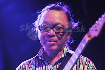Gitarista Nguyên Lê !!!