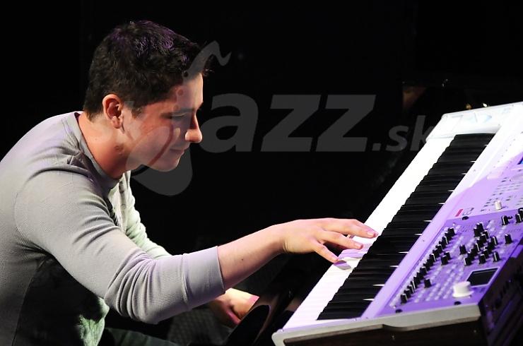 Klavirista a hráč na klávesové nástroje Eldar Djangirov !!!