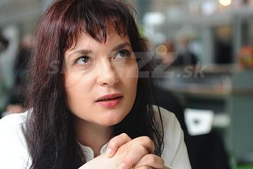 Speváčka a skladateľka Elina Duni !!!