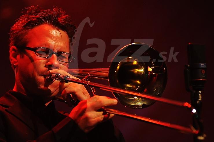 Trombonista Marshall Gilkes !!!