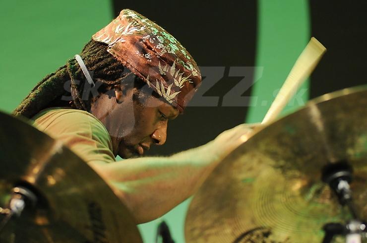 Bubeník Hamid Drake !!!