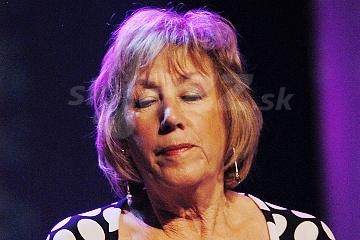Speváčka Norma Winstone !!!