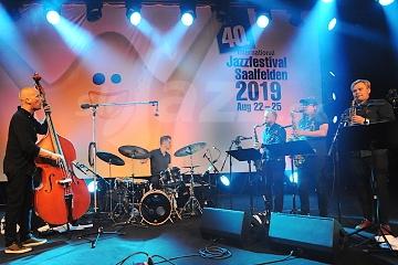 Výbušné kvinteto Koma Saxo je späť !!!